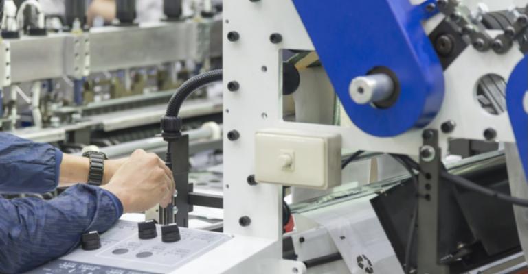 calendário de manutenção de máquinas da indústria plástica