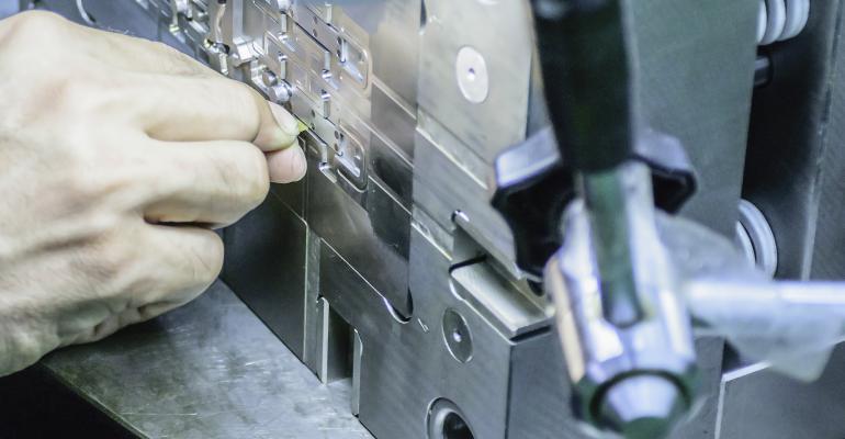 polimento-de-moldes-melhora-superficie-pecas-injetadas-mundo-do-plastico