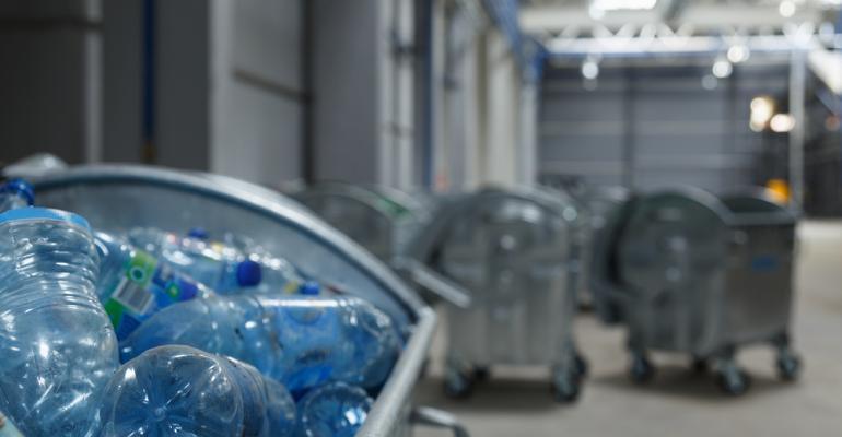 Diferentes tipos de moinhos para reciclagem de plásticos; confira